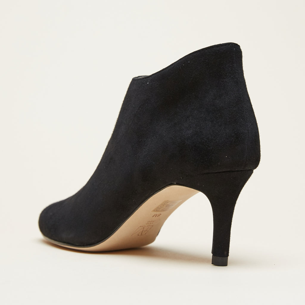 Yelm (Black / Kid Suede) 50% Off