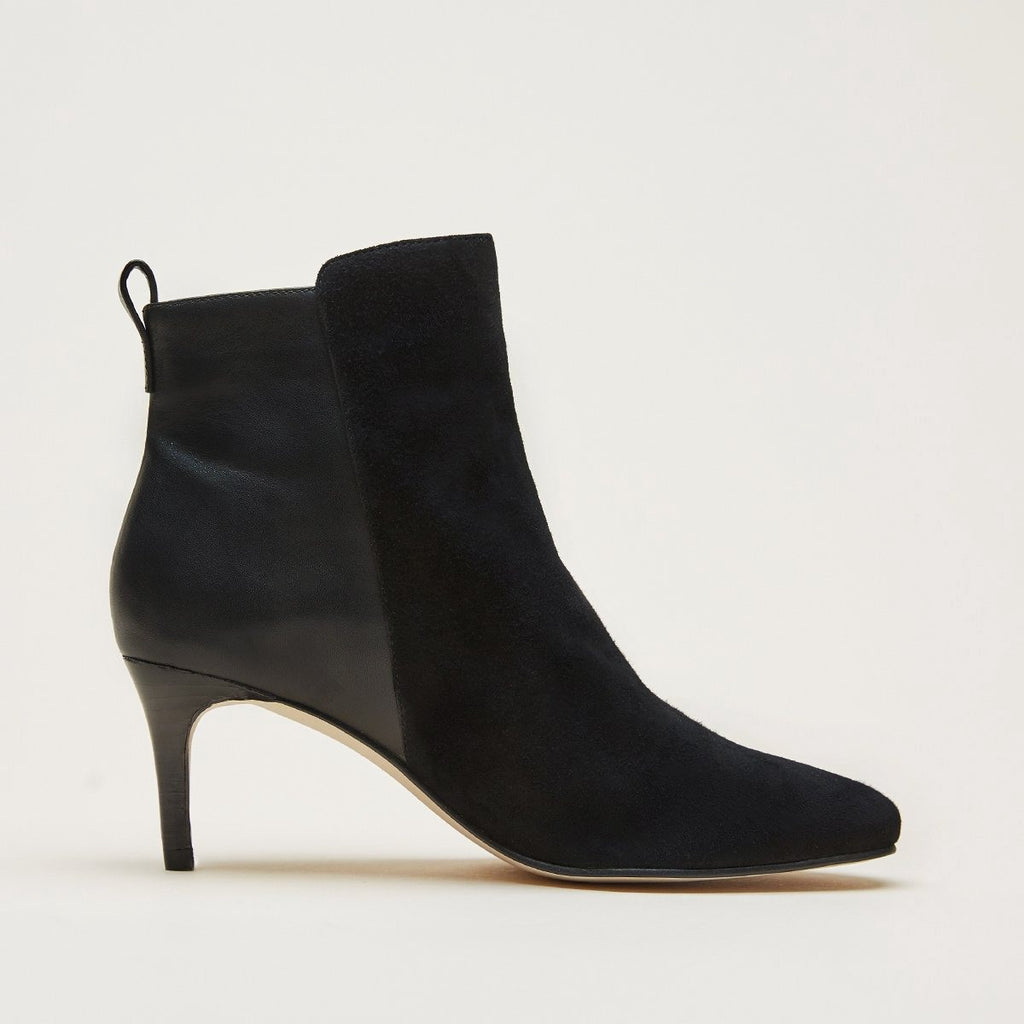 Yesnia (Black / Kid Suede) Bootie | Women's Boots