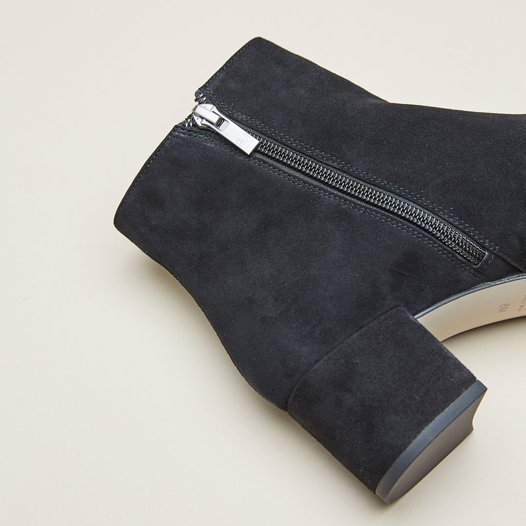 Umiko 2 ( Black/ Kid Suede) 60% Off
