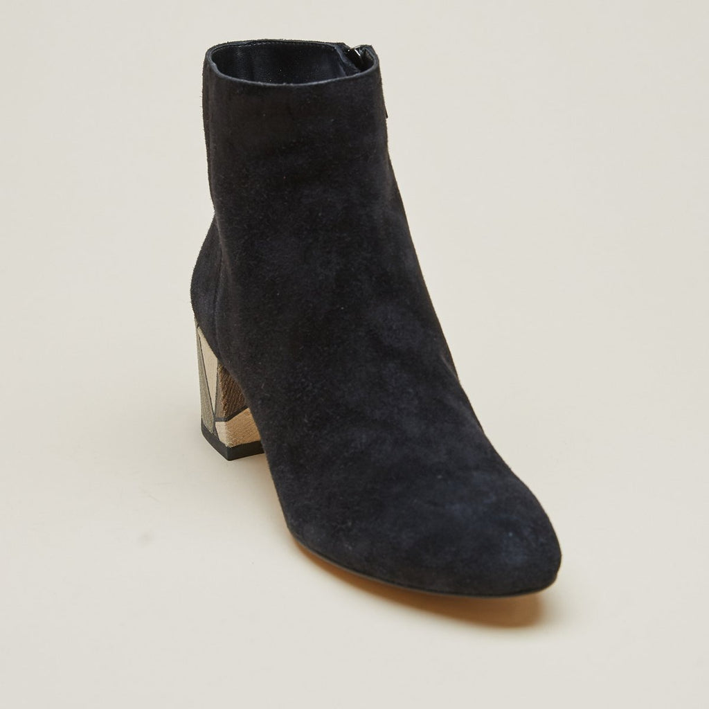 Umiko (Black / Kid Suede)