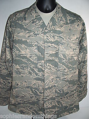 Air Force Tiger Stripe Pattern Camouflage Top Coat Jacket Size: 40 R
