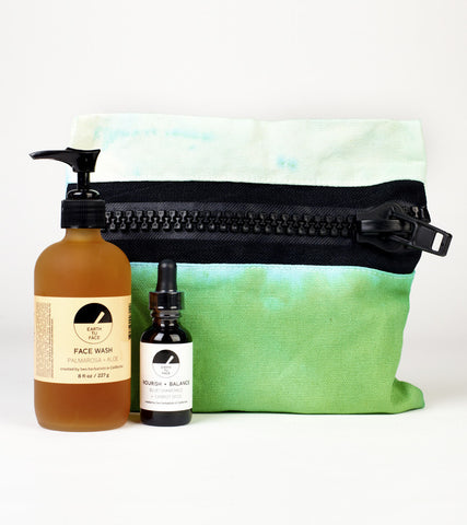SUMMER BUMMER X EARTH TU FACE TOILETRY BAG