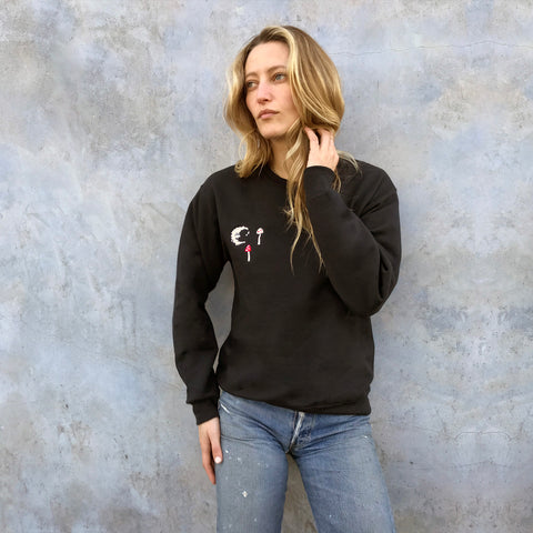 SHROOM AND MOON EMBROIDERED SWEATSHIRT