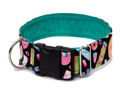 Sweet Tooth buckle collar