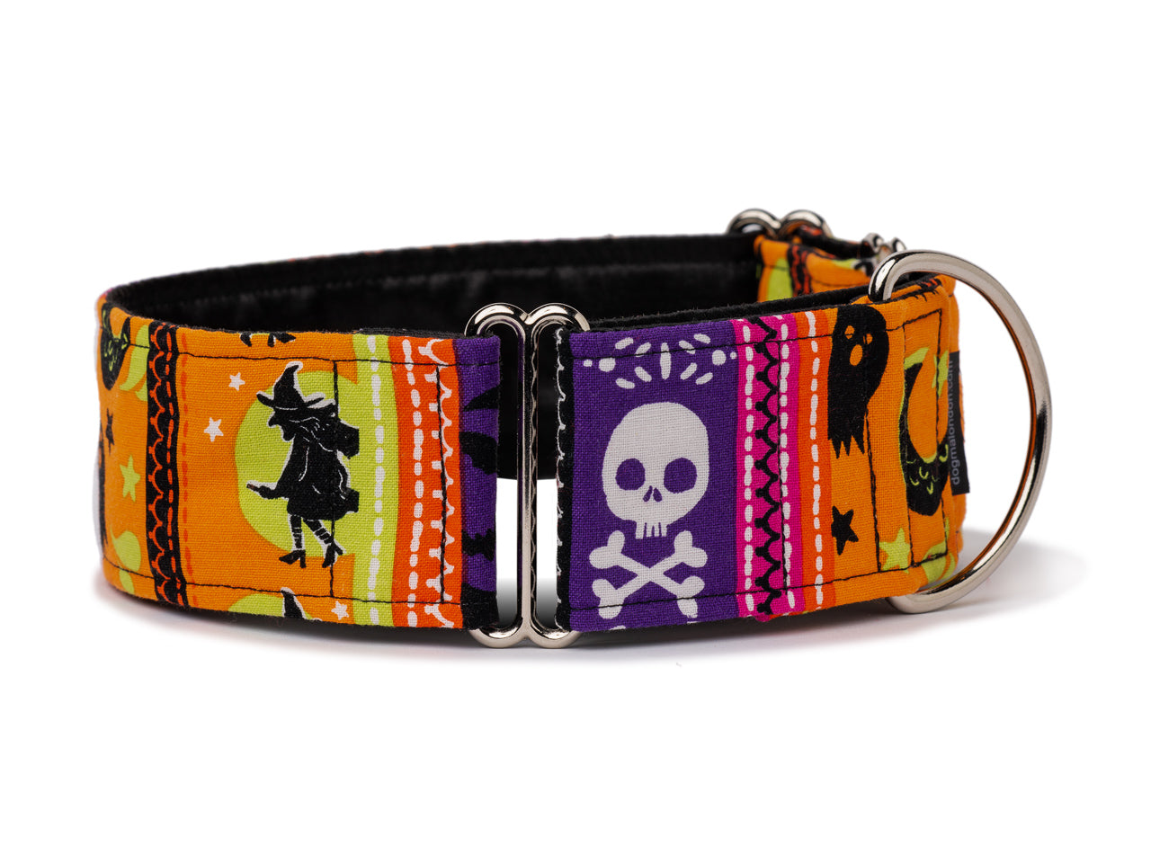 Witches, skulls, ghosts, and bats: everything your pooch needs for the spookiest of Halloweens!
