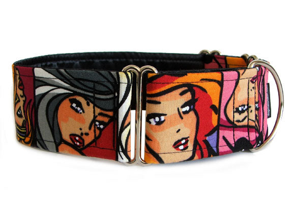 Pups with an edgy vibe will love this collar of comic-book-style glamour girls!