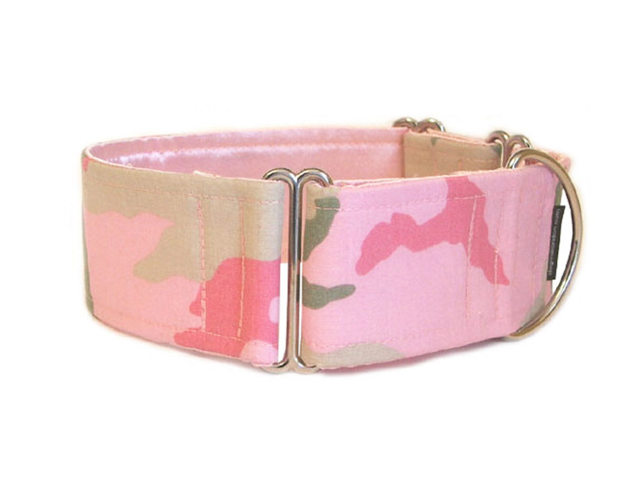 Pretty pink camouflage dog collar will have your pooch ready for action!