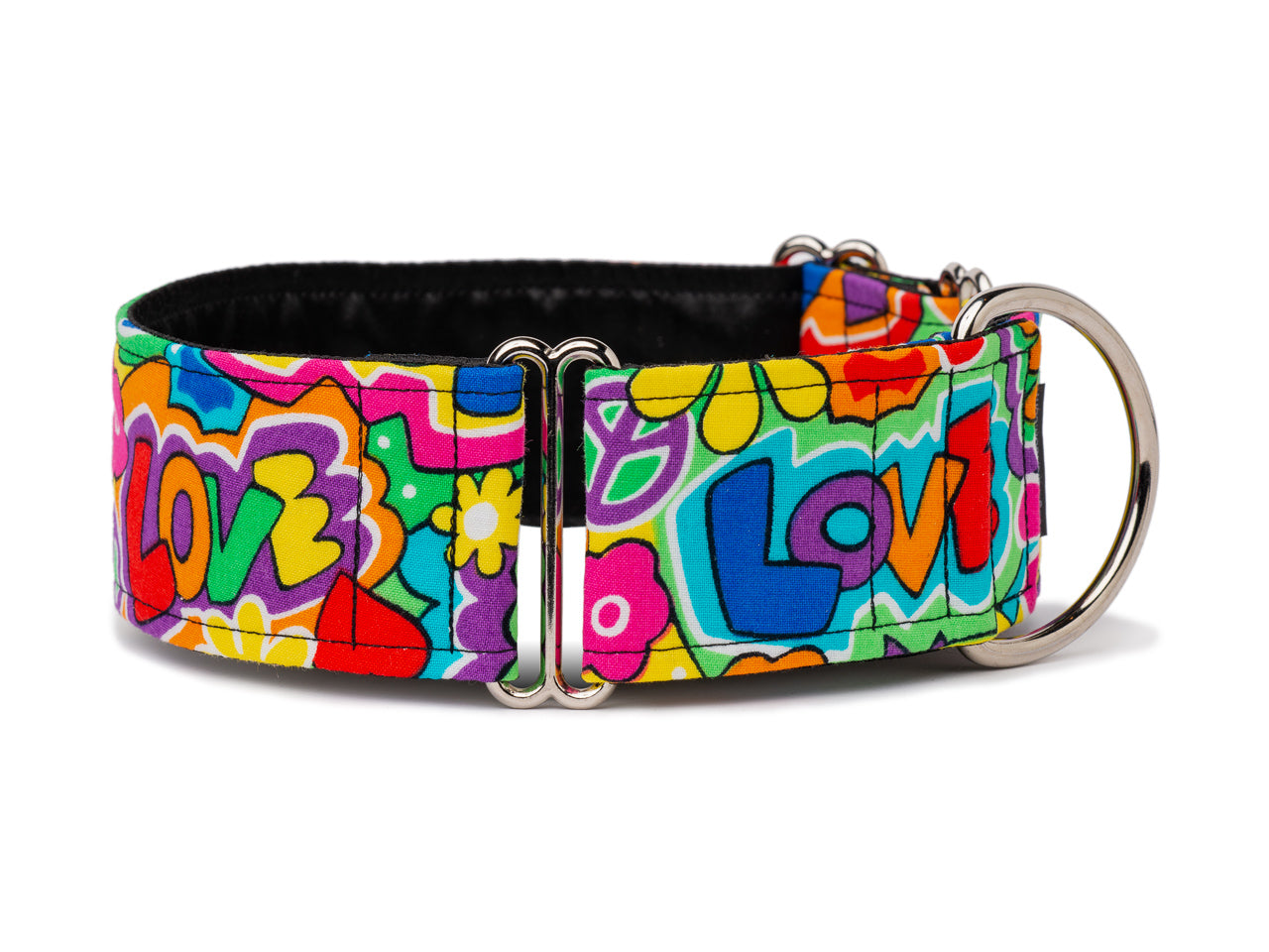 Your favorite four-legger will feel fun and fabulous in this colorful, retro love collar. Groovy baby, yeah!