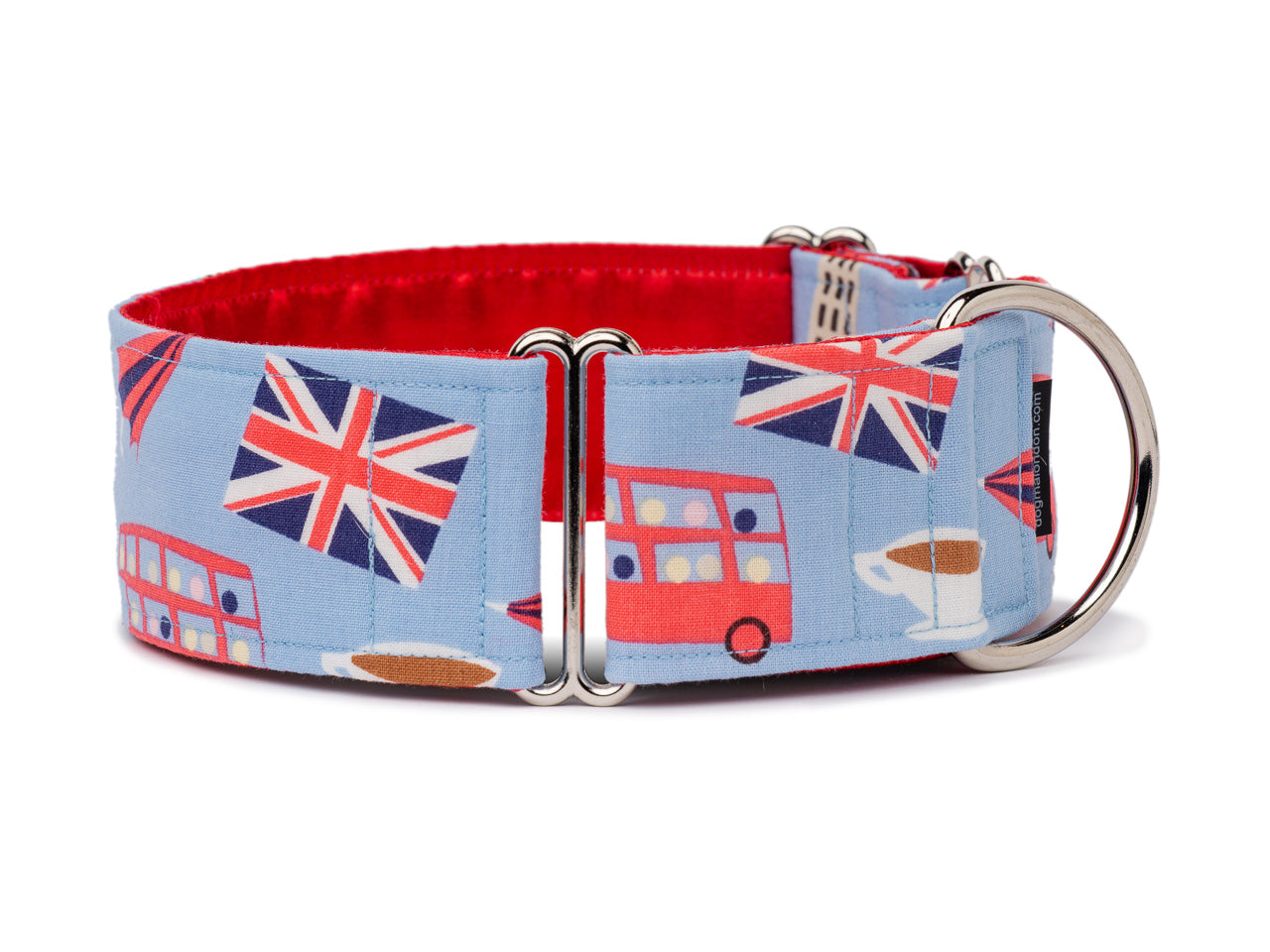 Your pooch will be chuffed to bits with this pretty blue collar splashed with iconic British images like the Union Jack, Big Ben, and a double-decker bus!