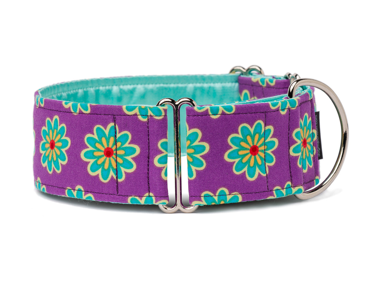 Cheerful blue flowers on a pretty purple collar will brighten up any pooch's day!