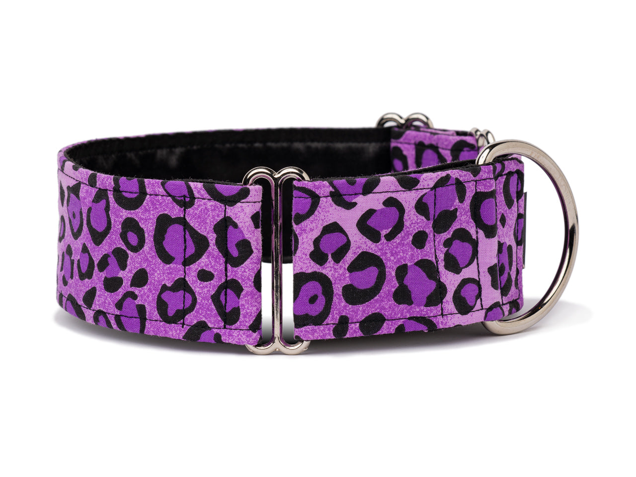 This funky purple leopard print adds a bright pop of color and personality for any fashion forward pooch!