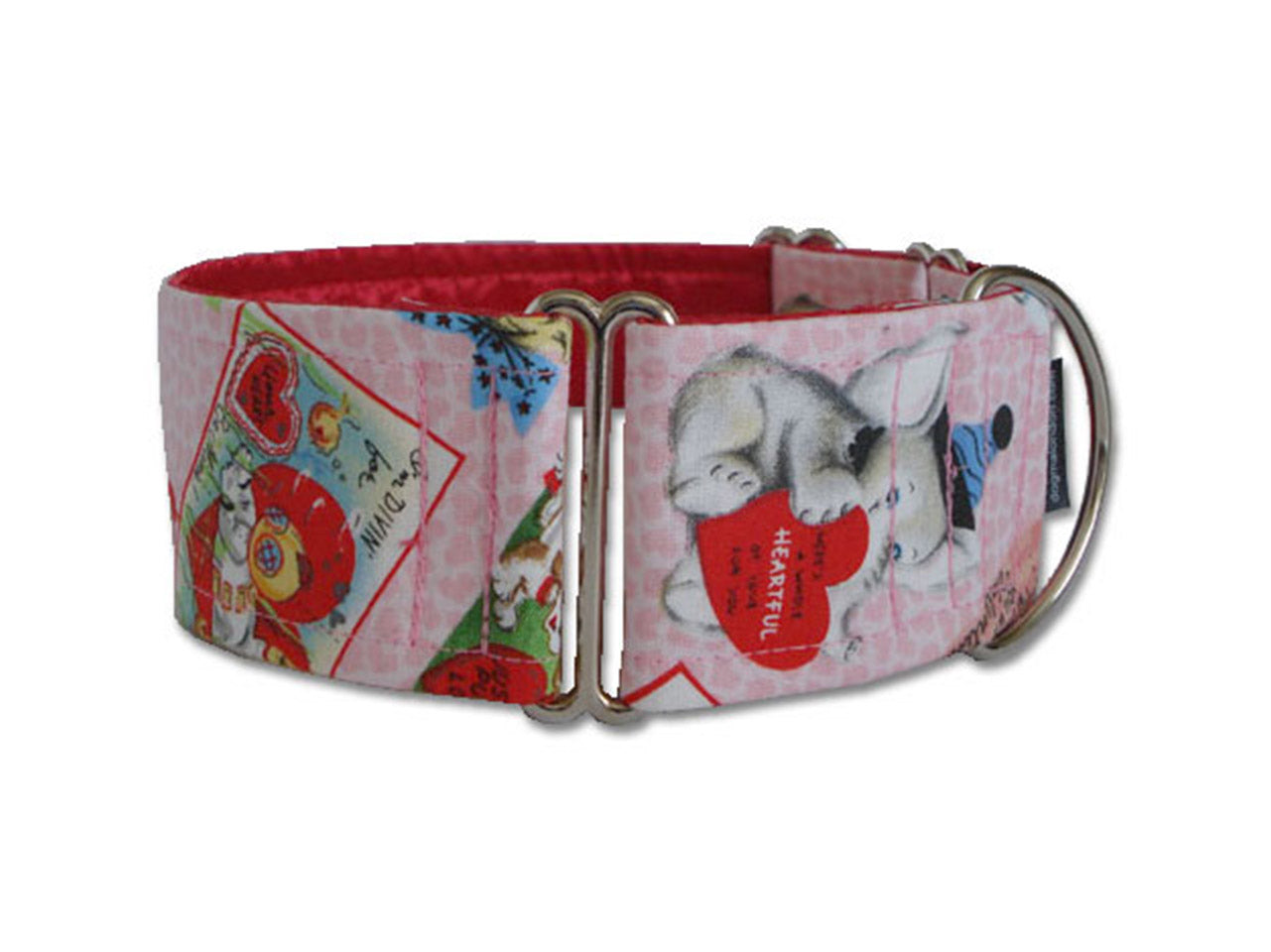 Show your pooch some love with this cute pink retro Valentine collar!