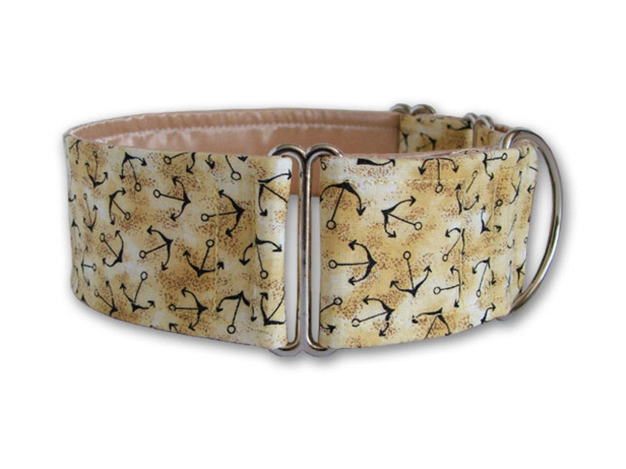 Perfect for the style-savvy water-loving pup, this anchor print collar will have your pooch ship shape and ready to sail into any adventure!