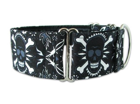 Edgy black and white bandanna skull collar for the park's most punked-out pooch!