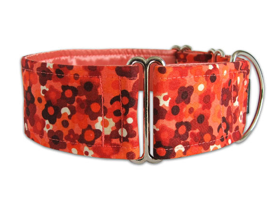 Earthy orange and brown petite flowers are pretty on any size pooch!