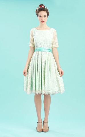 Connie dress in ivory flower lace