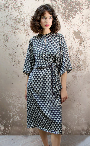 Dolce knot dress in jet fan print crepe - model shot