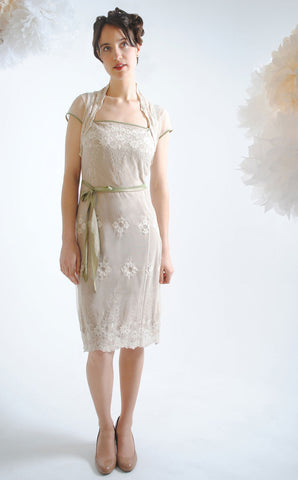 Edie dress in ivory embroidered lace