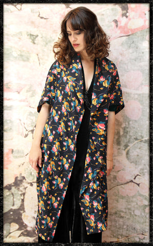 Kimono coat in Bohème bloom print crepe - front model framed
