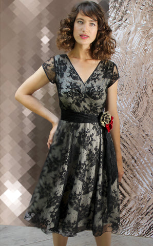 Kristen corsage dress in black lace - model shot