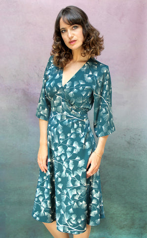 Mae dress in teal mountain-pine crepe