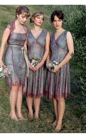 Bridesmaids dresses in moth and pink