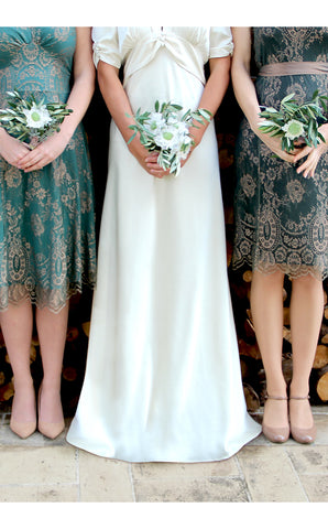 Bridesmaids dresses in green and gold