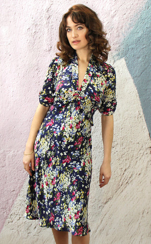 Sable dress in navy floral print crepe