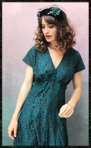 Valeria dress In emerald flower lace