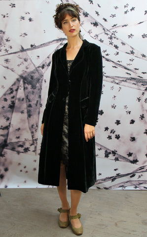 Vivienne coat in jet black silk velvet - model
