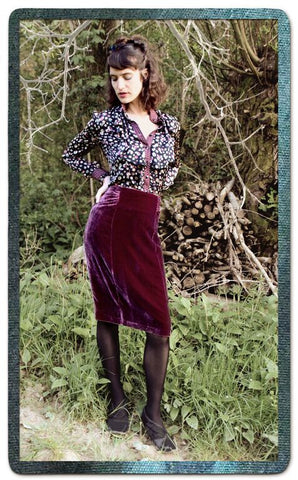 Ava skirt in rosewood silk velvet