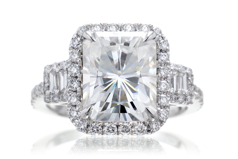 The Cali Radiant Moissanite