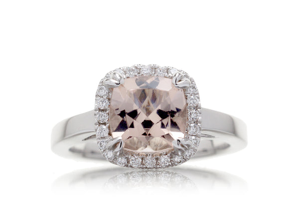 The Signature Cushion Morganite (7x7mm)