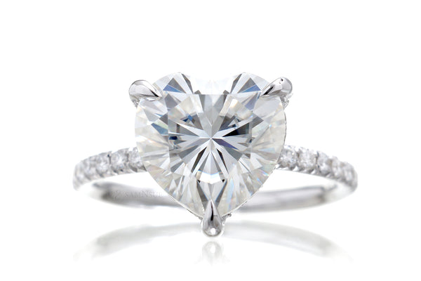 The Ava Heart Moissanite