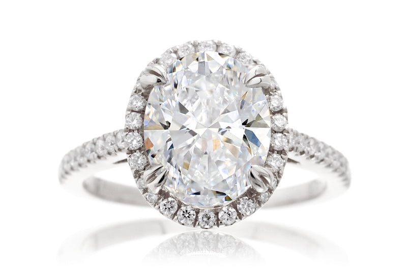The Signature Oval Diamond (Lab-grown)