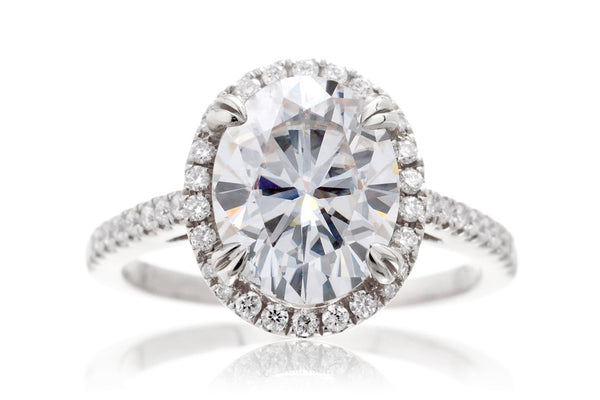 The Signature Oval Moissanite
