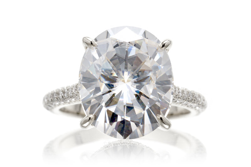 The Starlight Oval Moissanite