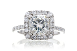 The Aurora Cushion Moissanite (7x7)