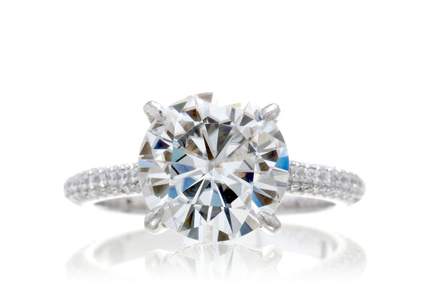 The Starlight Round Moissanite