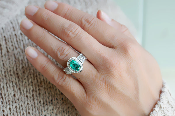 The Janell Oval Green Emerald Ring (2.27 ct. tw.)
