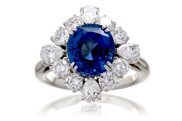 The Belle Oval Sapphire Platinum Ring (5.85 ct. tw.)