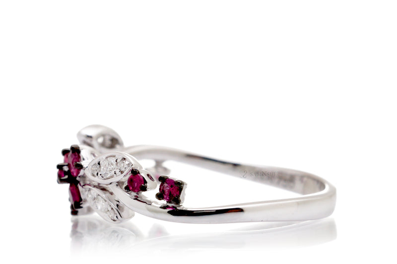 The Evy Ruby Ring