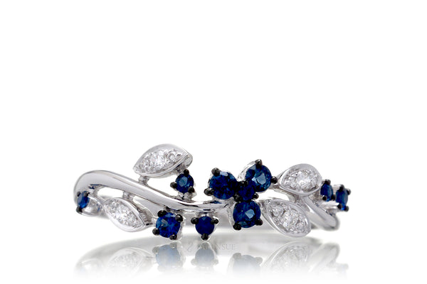 The Evy Sapphire Ring