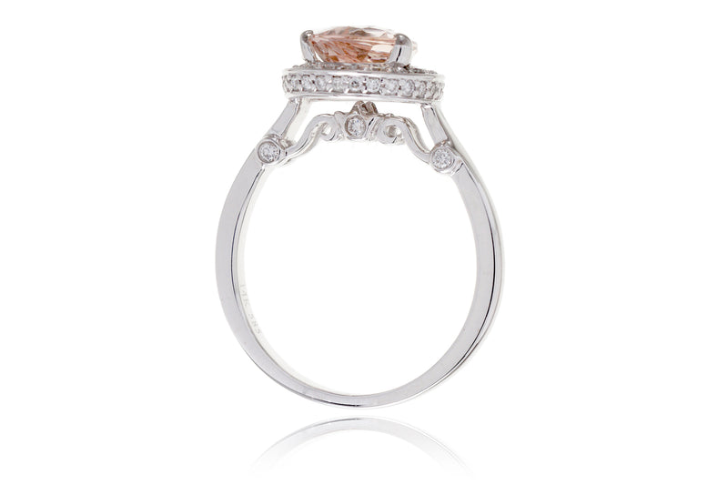 The Carla Pear Morganite (10x7mm)