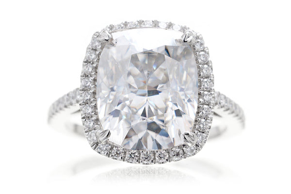 The Signature Curved Cushion Moissanite