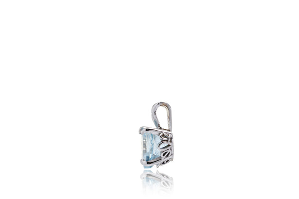 The Triple Loop Heart Aquamarine Pendant (8x8mm)