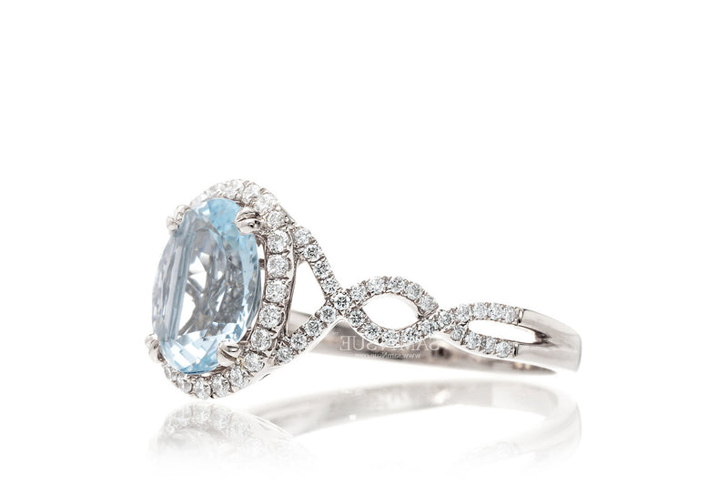 The Shelly Oval Aquamarine