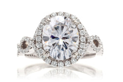 The Shelly Oval Moissanite