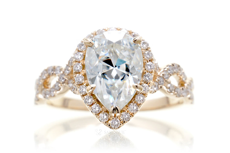 The Rosy Pear Moissanite