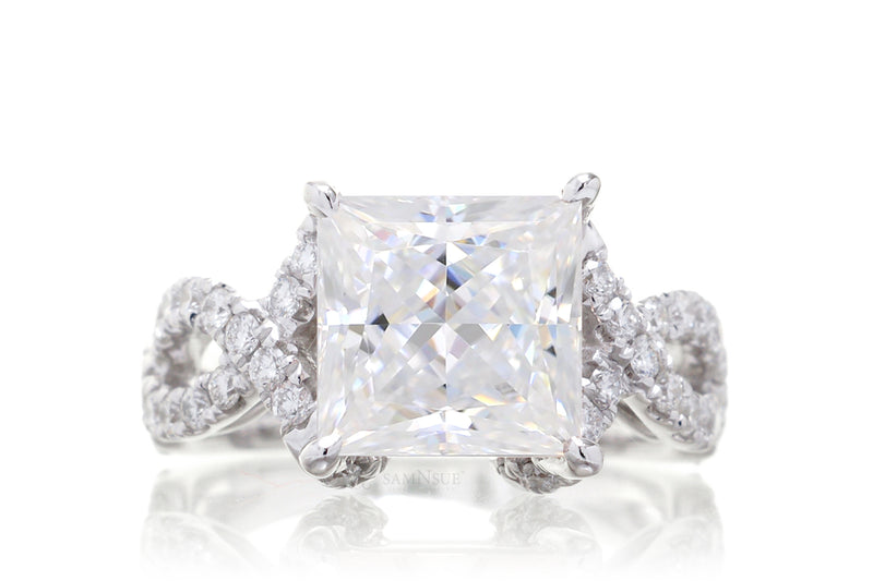 The Fecility Princess Twist Band Engagement Ring
